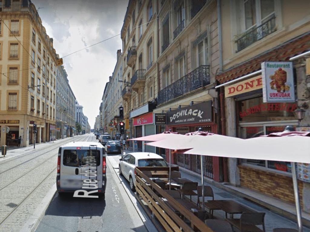 Devanture du restaurant coréen Doshilack à Lyon