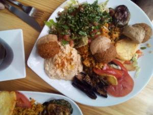 Assiette de falafels végane chez Salam, pionnier du falafel à Berlin.