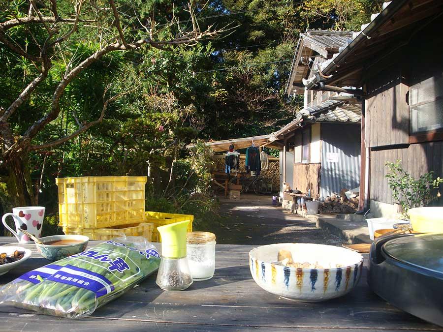 J'ai fait deux mois de WWOOFing au Japon à l'automne 2016. Dans chaque maison où j'ai été accueillie gratuitement contre un peu de bénévolat, je me suis vraiment sentie chez moi ! Et surtout, j'ai toujours TRÈS BIEN mangé ;)