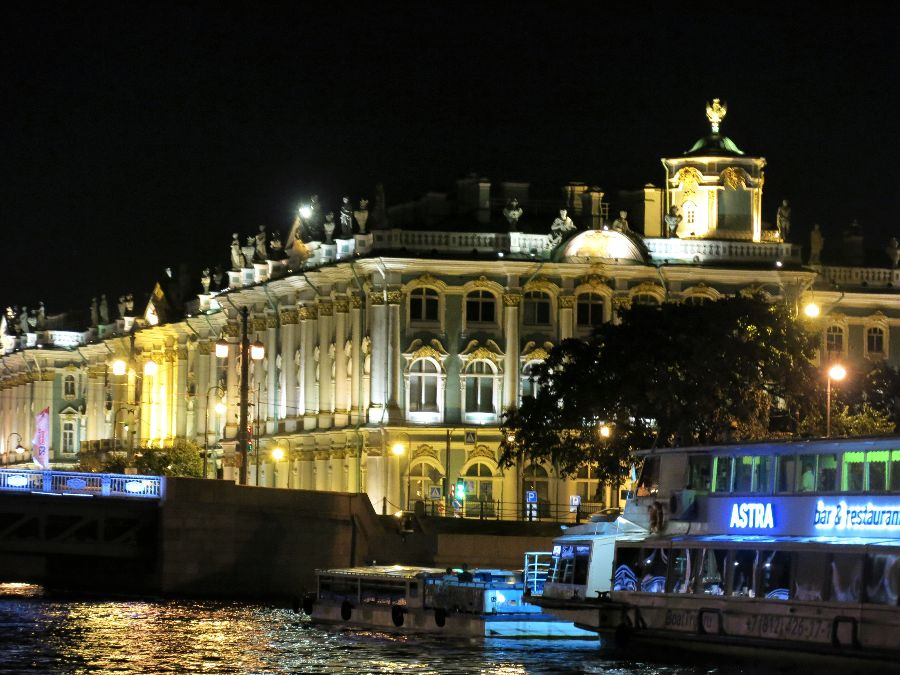Hermitage by night :)