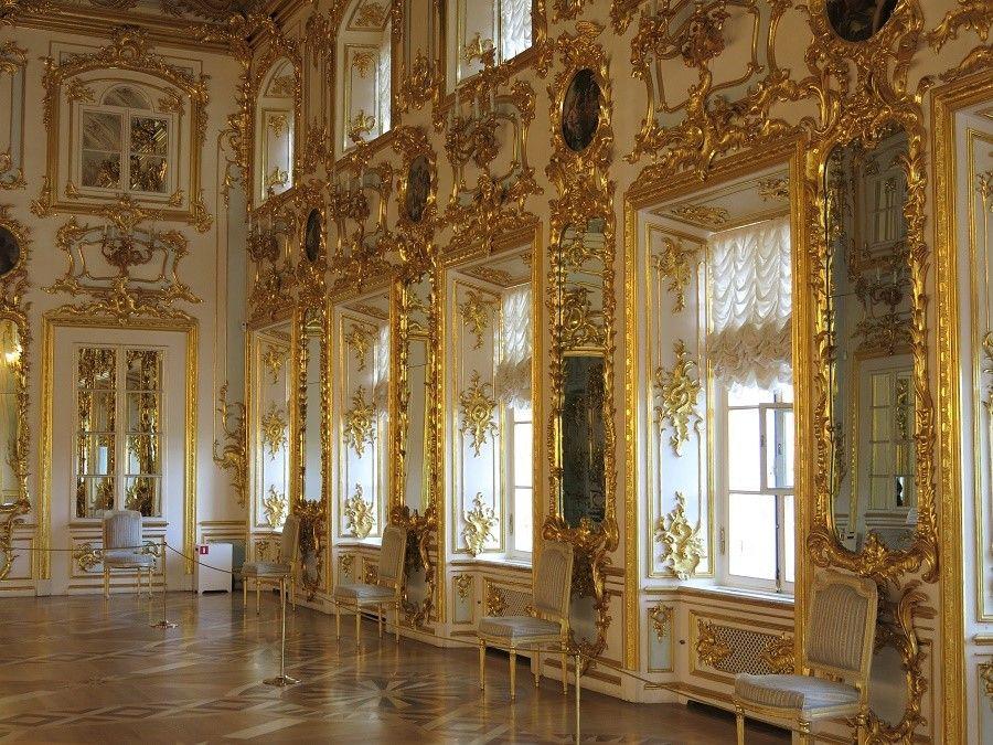 Certes, l'intérieur baroque n'était pas déplaisant ;)