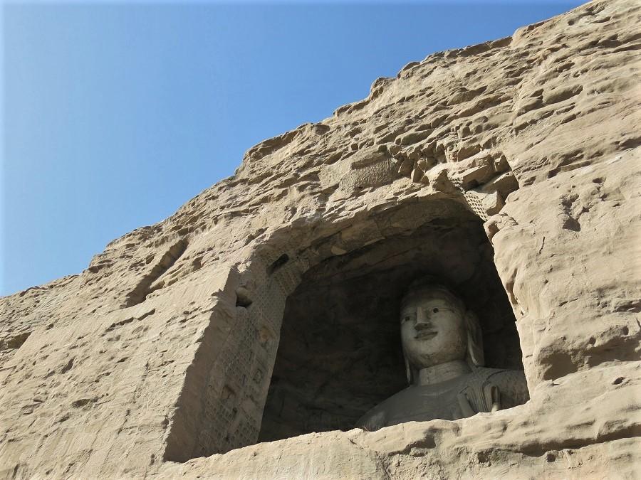 Un des bouddhas de 1500 ans qui occupent les grottes de Yungang, juste à côté de Datong